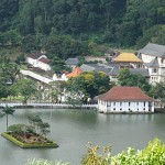 The temple of the Sacred Tooth Relic is a Buddhist temple in the city of Kandy.
